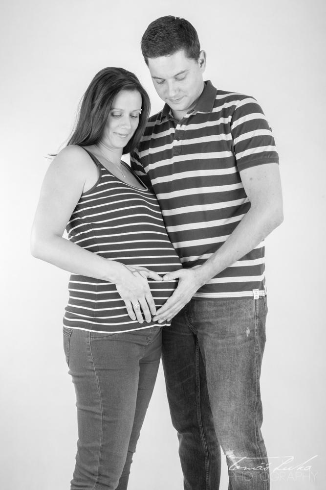 BW těhotenské foto